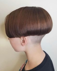 Excellent Long hair styles detail are offered on our web pages. look at this and you will not be sorry you did. Shaved Bob, Shaved Nape, Bowl Haircuts, Long Bob Haircuts, Stacked Bob Hairstyles, Straight Hairstyles, One Length Bobs, Angled Bobs, Extreme Hair