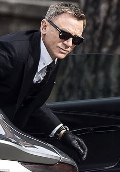 Daniel Craig on set of spectre