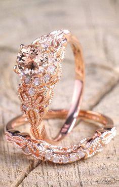 1.50 carat Round Cut Morganite and Diamond Halo Bridal Wedding Ring Set in 18k Rose Gold #diamondweddingring #GoldJewelleryWedding