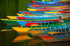 """/ Photo """"Colorful Moorage"""" by Anton Jankovoy nepal lake boat Colors Of The World, Rainbow Colors, Vibrant Colors, Colours, Colorful Pictures, Cool Pictures, Sunset Pictures, Great Photos, Nepal"""