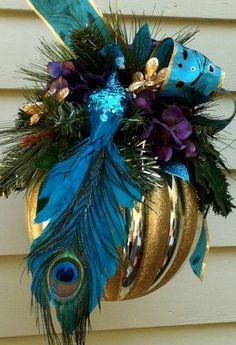 Large ornament decor Peacock Christmas Tree, Peacock Ornaments, Blue Christmas, Christmas Balls, Christmas Colors, Christmas Themes, Christmas Tree Ornaments, Christmas Holidays, Holiday Wreaths