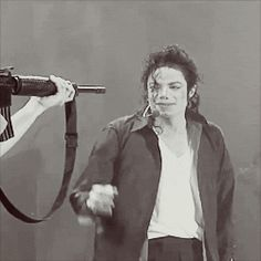 f3nnekin: 15. Your favorite performance from the HIStory tour