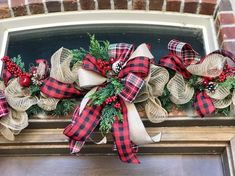 Buffalo plaid garland rustic farmhouse for front door, garland for farmhouse - rustic farmhouse front door Cool Christmas Trees, Christmas Lanterns, Christmas Door Decorations, Christmas Swags, Christmas Centerpieces, Christmas Crafts, Deco Mesh Garland, Valentine Day Wreaths, Christmas Projects