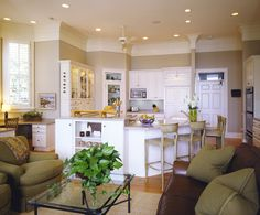 Kitchen benjamin moore grant beige Design Ideas, Pictures, Remodel and Decor Living rm? Decor, Home, Taupe Walls, Kitchen Design, Kitchen Wall Colors, Kitchen Paint Colors, Tan Kitchen, Grant Beige, Beige Kitchen