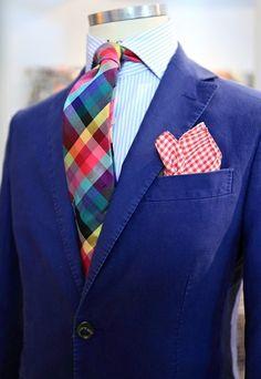 That necktie!!!