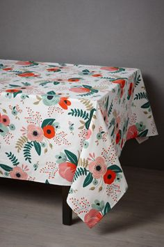 A little excited about this beautiful Botanical Garden Tablecloth by my favorite: Rifle Paper Co.