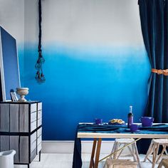 graded blue walls in living etc. Blue Rooms, Blue Walls, Ombre Walls, Ombre Paint, Ombre Wallpapers, Dining Room Blue, Dining Area, Living Etc, Living Room