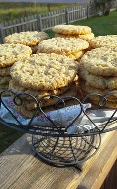 Grandma Cookies, Cookie Box, Fika, Something Sweet, Afternoon Tea, Baking Recipes, Muffin, Food And Drink, Favorite Recipes