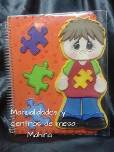 Cuaderno profesional decorado con foami