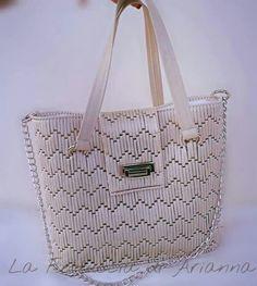 . Plastic Canvas Stitches, Plastic Canvas Crafts, Plastic Canvas Patterns, Crochet Clutch, Crochet Purses, How To Tie Shoes, Net Bag, Canvas Purse, Tote Pattern