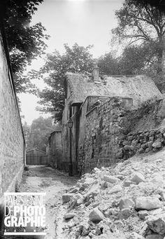 La rue Saint-Vincent, à Montmartre. Paris (XVIIIème arr.), 1900.