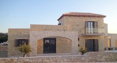 stone built houses in Loutra Rethymno