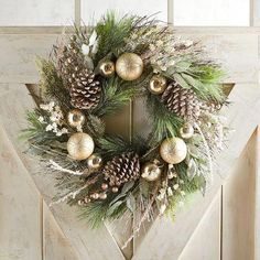 Lovely Rustic Christmas Wreaths for my Farmhouse - My Cozy Colorado wreaths Lovely Rustic Christmas Wreaths for my Farmhouse Blue Christmas Decor, Christmas Wreaths To Make, Holiday Wreaths, Rustic Christmas, Christmas Crafts, Christmas Ornaments, Artificial Christmas Wreaths, Christmas Trees, Christmas Cookies