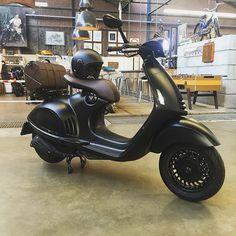 The Vespa 946 Emporio Armani Edition #vespa #emporio #armani #946 #piu #bella #scooter #black