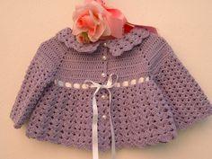 Mini cardigan per bebè eseguito a mano all'uncinetto in pura lana color lilla. Su ordinazione : Mode Bébé par i-pizzi-di-anto
