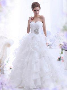 プリンセスライン  チャーペルトレーン オーガンジー アイボリー ウェディングドレス B12172