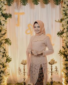 Bridesmaid|Kebaya|Wisuda di Instagram Stunning Engagement Kebaya by @tiarsmn Informasi, Tips dan Foto aneka baju kebaya modern terbaru yang lagi trends Model Kebaya Brokat Modern, Kebaya Modern Hijab, Kebaya Hijab, Kebaya Muslim, Muslim Dress, Kebaya Lace, Kebaya Dress, Batik Kebaya, Kebaya Wedding
