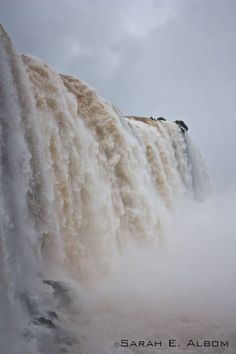 This is one of a series of photos of Iguazu Falls on the border of Argentina and Brazil. Photo copyright ©️Sarah Albom 2016 via @Rhondaalbom