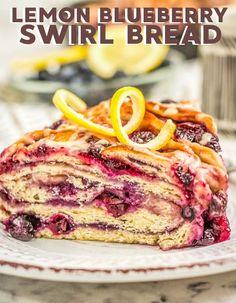 How to make lemon blueberry swirl bread - Lemon and blueberry: the epitome of the perfect blend of sweet and sour. Anytime I think of sweet and sour fruits, those are the two that always come to mind first. That's what makes this bread so delicious! The twisting of the bread also makes it a good option to serve at gatherings, because it is not only delicious but aesthetically pleasing as well. Let me show you how to make this lemon blueberry bread today! Delicious Breakfast Recipes, Best Dessert Recipes, Coffee Recipes, Dessert Ideas, Easy Desserts, Bread Recipes, Dinner Recipes, Recipe For Mom, Recipe Ideas