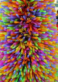 Straws my be bad for the environmental but this looks pretty Taste The Rainbow, Over The Rainbow, World Of Color, Color Of Life, Rainbow Art, Rainbow Colors, Rainbow Pastel, All The Colors, Vibrant Colors