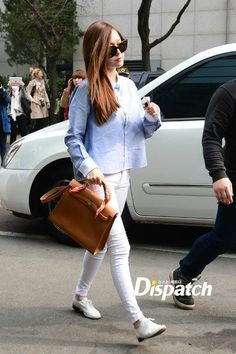 11 #Jessica Airport Style, Airport Fashion, Jessica Jung Fashion, Korean Celebrities, Red Carpet Fashion, Snsd, Classic Style, White Jeans, Celebrity Style