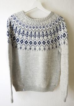 Islandske stil jacquard sweater dertrøje hånd strikket uld og alpaca Fair Isle Knitting Patterns, Knitting Charts, Knitting Designs, Knitting Yarn, Hand Knitting, Tejido Fair Isle, Punto Fair Isle, Norwegian Knitting, Icelandic Sweaters