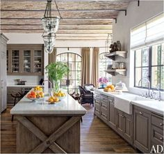 13 Alluring Modern Farmhouse Kitchens Photos Architectural Digest Find the best modern kitchen design ideas & inspiration to match your style. Browse through images of modern kitchen islands & cabinets to create your perfect home. Farmhouse Kitchen Cabinets, Modern Farmhouse Kitchens, Home Kitchens, Rustic Farmhouse, Kitchen Backsplash, Backsplash Ideas, Kitchen Rustic, Farmhouse Interior, Farmhouse Design