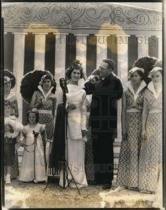 1935 Press Photo Michigan Gov Frank Fitzgerald Crowns Cherry Festival Queen Geneieve, Traverse City, Michigan