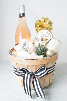 Süßigkeiten, Wein, Kaktus, Band, Nagellack Hasenfigur Präsentkorb Ideen