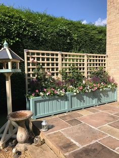 wooden planters and trellis,hot tub screen delivery included depends on postcode