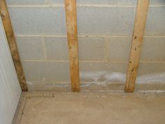 PROBLEM - Efflorescence & hairline crack on concrete block wall. SOLUTION - 1. Remove efflorescence with RadonSeal Efflorescence Cleaner, 2. Seal the blocks with RadonSeal Plus, 3. Repair crack in wall with ElastiPoxy Joint & Crack Filler Kit