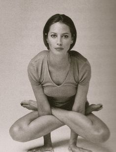 Learn the possibilities you can achieve with your body! Christy Turlington, Style Icons, Ballet, Yoga, Culture, Dance, My Favorite Things, Health, Model