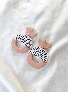 Look Alive Earrings — Plaster Pink – Hello Ashto Diy Earrings Polymer Clay, Polymer Clay Crafts, Earrings Handmade, Polymer Clay Tutorials, Resin Jewelry, Jewelry Crafts, Homemade Jewelry, Bijoux Diy, Biscuit