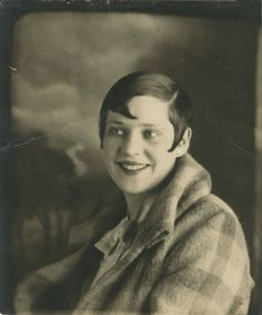1920s, My Nana had short hair like this in the 20s.