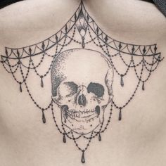 Minus the skull, nut latte be the lace work