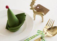 servietten falten zu weihnachten als elefenhut