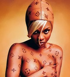 lil kim rocking no other than louis vuitton on her body.