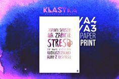Jedyny sposób na zabicie stresu to dwie łyżeczki rozpuszczalnej albo z ekspresu. – Plakat typograficzny. Klasyka polskiego rapu. Rap, Etsy, Poster, Wraps, Rap Music