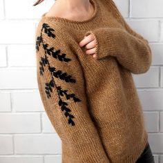 "1,447 Likes, 111 Comments - Вязание 🙌 Knitwear By Art Anna (@by_art_anna) on Instagram: ""Почти золотом по бархату 😂 черным кашемиром по золотисто - бежевому 👌 😍💣 намешала всякого в…"""