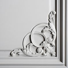 Carved Haussmannian Woodwork Doors and Paneling. Handcrafted of your doors, woodwork, tailor-made. Give your home a Chic renovation House Ceiling Design, Ceiling Design Living Room, Wall Decor Design, Wall Molding, Moulding, Mother Of Pearl Backsplash, Cornice Design, Plafond Design, Classic Ceiling
