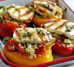 Try this Greek-inspired and deliciously healthy dish, with our grilled halloumi stuffed peppers recipe. Beautifully seasoned with a honey dressing. # Grilled halloumi peppers with Greek honey dressing Vegetable Recipes, Vegetarian Recipes, Cooking Recipes, Healthy Recipes, Healthy Meals, Savoury Recipes, Recipes Dinner, Healthy Cooking, Gastronomia
