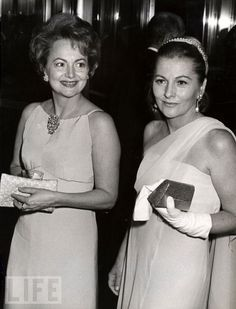Olivia de Havilland and sister Joan Fontaine