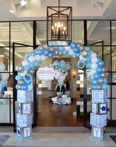 Baby Shower Ideas for Boys DIY Decorations - Picking a theme and baby shower decorations for boys are pivotal pieces of the hierarchical procedure. Baby Shower Azul, Fiesta Baby Shower, Shower Bebe, Boy Baby Shower Themes, Baby Shower Diapers, Baby Boy Shower, Baby Shower Fruit, Diaper Shower, Baby Shower Balloon Decorations
