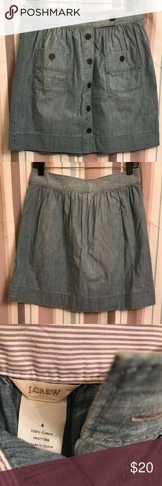 ✨ J. Crew denim Skirt 💜 Super cute button down denim skirt with brown buttons. Please see pics for details. J. Crew Skirts
