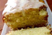 Las galletas de limón están deliciosas. Son las galletas preferidas de quienes gustan de postres con un punto cítrico, y lo cierto es que una vez que las pruebas no las olvidas fácilmente. Tienen también la ventaja de que son muy sencillas de hacer, incluso aunque no tengas experiencia repostera. Kitchen Recipes, Recipe Box, Vanilla Cake, French Toast, Cookies, Breakfast, Desserts, Pie Cake, Christmas Cookie Recipes