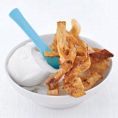 Cinnamon and Sugar Tortilla Strips Recipe on Yummly. Best Dessert Recipes, Fun Desserts, Mexican Food Recipes, Delicious Desserts, Snack Recipes, Brunch Recipes, Drink Recipes, Yummy Recipes, Tortilla Strips Recipe