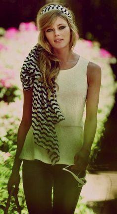 Do you like the retro scarf trend?