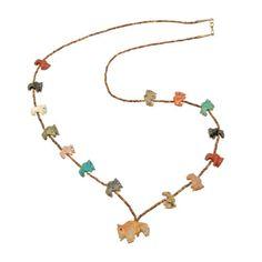 Collier fétiches Zuni, animaux scupltés en pierres (turquoises, catlinite, serpentine...), fermoir en argent.   Harpo Paris #nativeamerican #collierturquoise #navajo #pueblo #zuni
