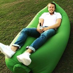 This sofa is perfect for the beach, in the park, in the pool, at a festival, up a mountain - anywhere! Inflates in seconds with the unique air filling system.