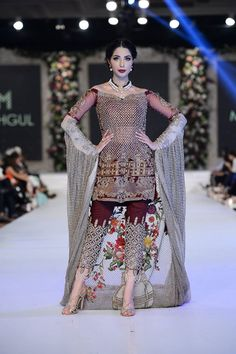 55 Ideas Party Dress Pakistani Walima For 2019 Simple Pakistani Dresses, Pakistani Bridal Dresses, Pakistani Outfits, Indian Dresses, Walima Dress, Indian Clothes, Stylish Dress Designs, Stylish Dresses, Casual Dresses